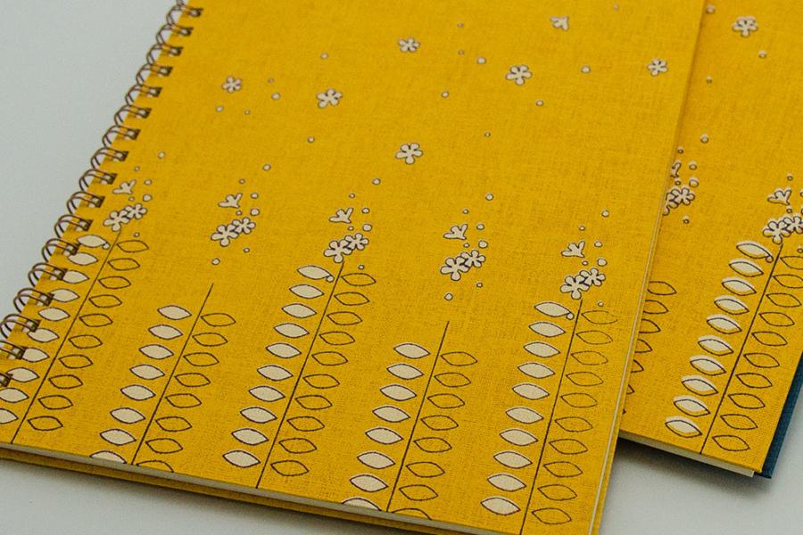 こだわりのデザインノート。オリジナル・リングノートのたびだち。